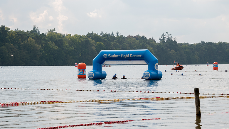 Finish van Swim to Fight Cancer IJzeren Man Vught