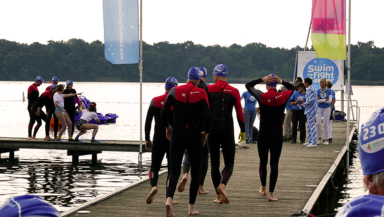 Sentech-zwemteam Swim to Fight Cancer