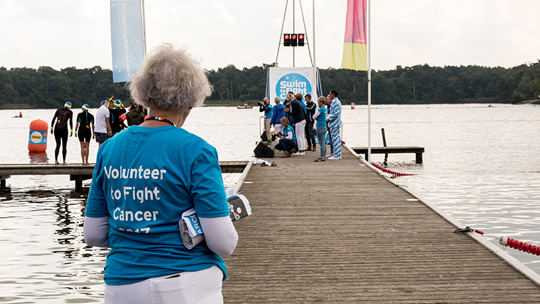 Vrijwilliger van Swim to Fight Cancer IJzeren Man Vught