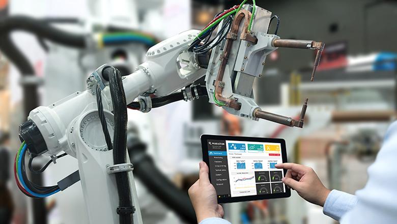 Van IIoT-apparaat naar connectiviteit, naar platform, naar data-analyse en efficiency.