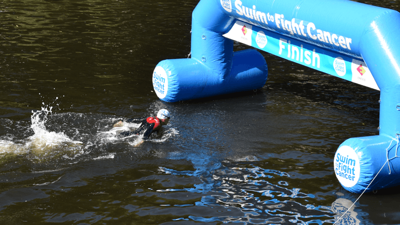 Team Sentech bij Swim to Fight Cancer 2019